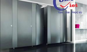 Vách ngăn Compact HPL đại diện sự mới mẻ với không gian nhà vệ sinh hiện đại